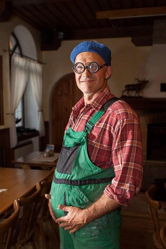 Martin Maxa jako vesnický traktorista byl k nepoznání.