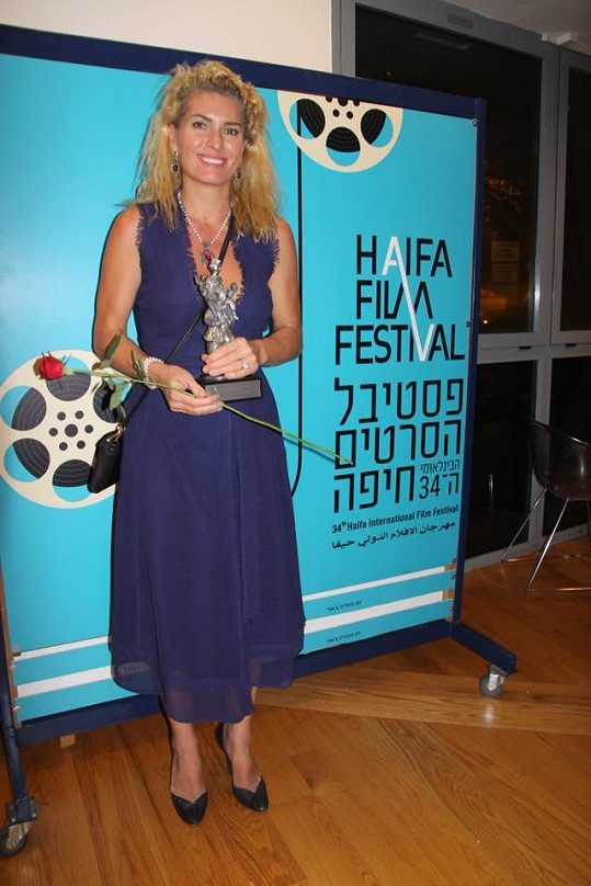Olga Menzelová převzala za manžela Jiřího cenu na izraelském filmovém festivalu.