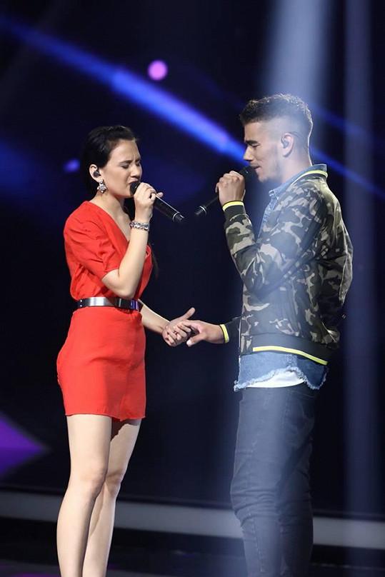 Eliška Rusková a Petr Borkovec zpívají duet. Petr nakonec dostal divokou kartu.
