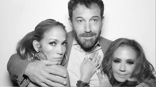Leah Remini se pochlubila fotkou s Jennifer Lopez a Benem Affleckem.