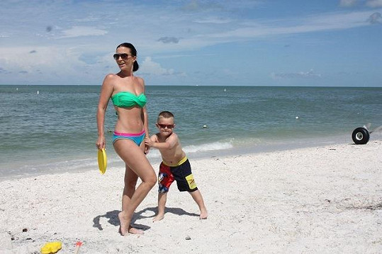 Gábina s rodinou si momentálně užívá na Floridě.