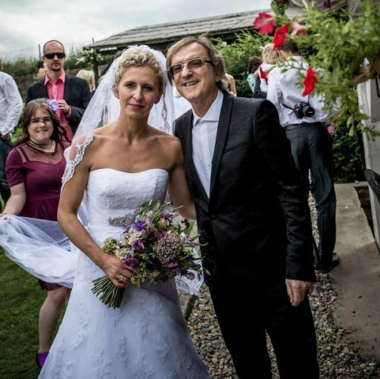 Meky Žbirka byl hostem na svatbě zpěvačky Marthy