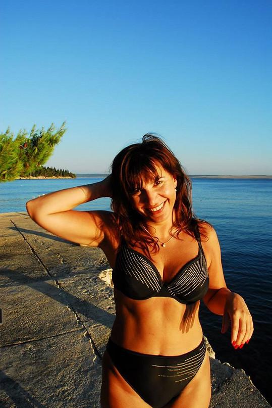 Andrea Kalivodová v plavkách