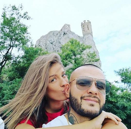 Krátce po rozchodu začal Rytmus chodit s moderátorkou Jasminou Alagič.