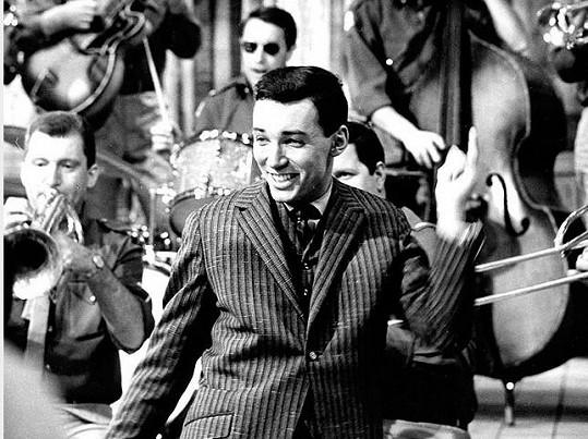 Karel Gott ve filmu Kdyby tisíc klarinetů (1964)