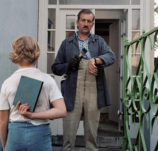 Eugen Jegorov coby tatínek Adama Bernaua (Viktor Král) v seriálu Návštěvníci