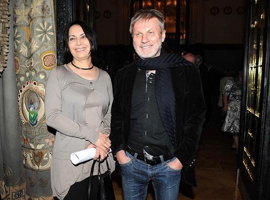 Zdeněk Merta s manželkou Zorou Jandovou. Přijít v džínách bylo už hodně přes čáru.
