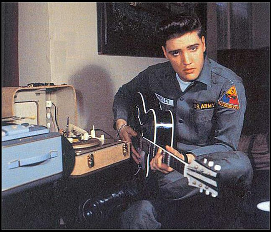 Elvis Presley trpěl prý hned několika vrozenými chorobami.