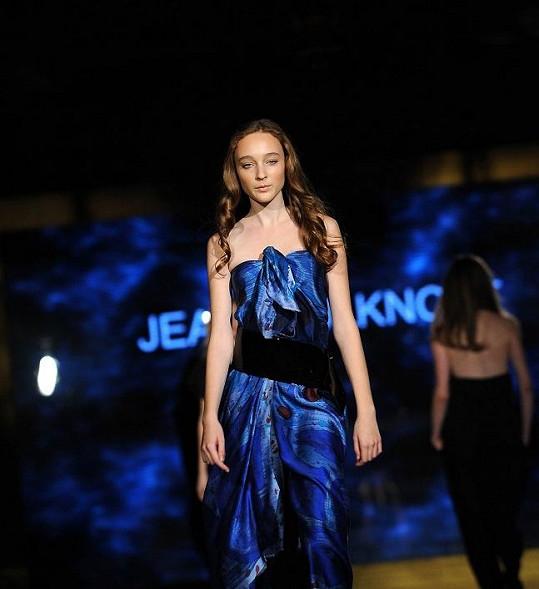 Poté co postoupila do národního finále soutěže Elite Model Look, se tři roky věnovala modelingu.