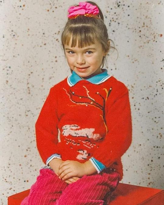 Kamila Nývltová se pochlubila fotkou z první třídy.