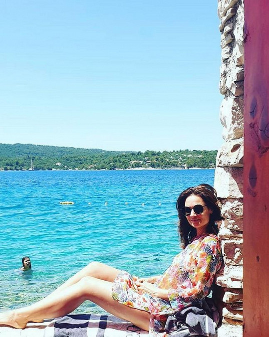 Moderátorka je přes léto v Chorvatsku, kde mají s manželem dům.