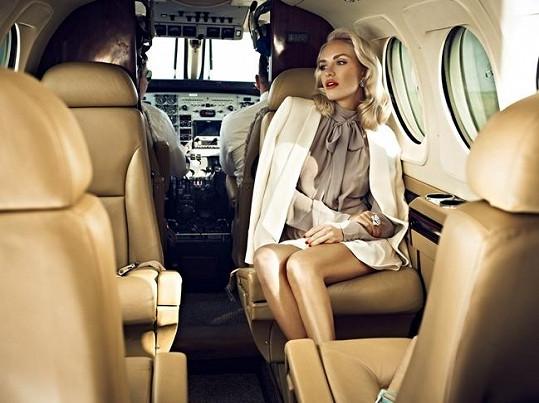 Taťána Kuchařová se stala tváří značky tradičního výrobce aut, motorek a letadel.