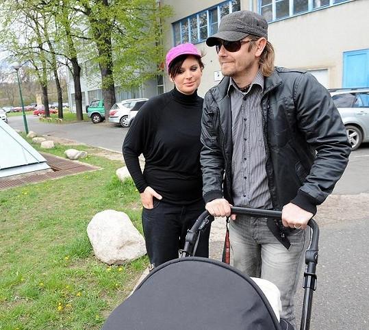 Jitka s manželem a dcerou.