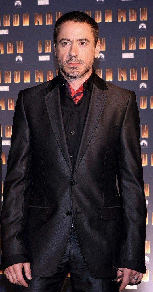Robert Downey Jr. si vypěstoval závislost na drogách už v 8 letech.