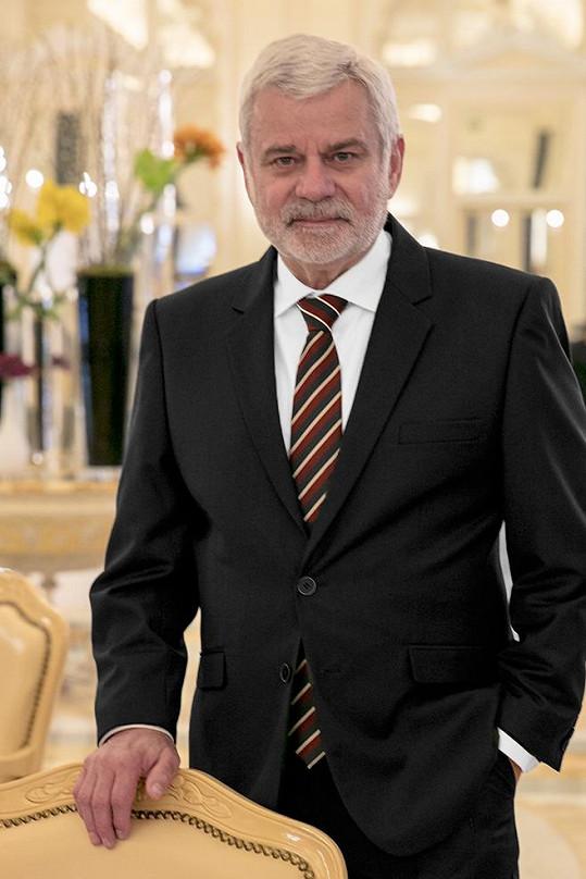 Petr Štěpánek elegantní módu a obleky miluje.