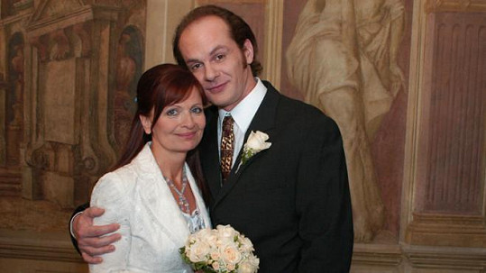 Anička (Ljuba Krbová) a Bedřich (Adrian Jastraban)