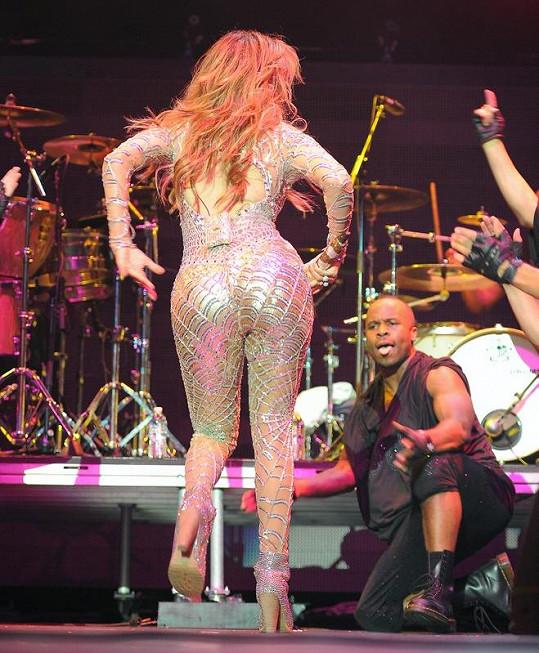 Jennifer Lopez má pořád dokonalý zadeček.