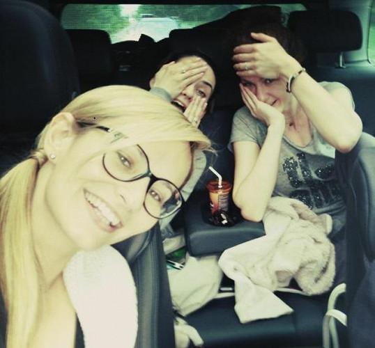 Monika Absolonová zapózovala bez make-upu na cestě do Rakouska.