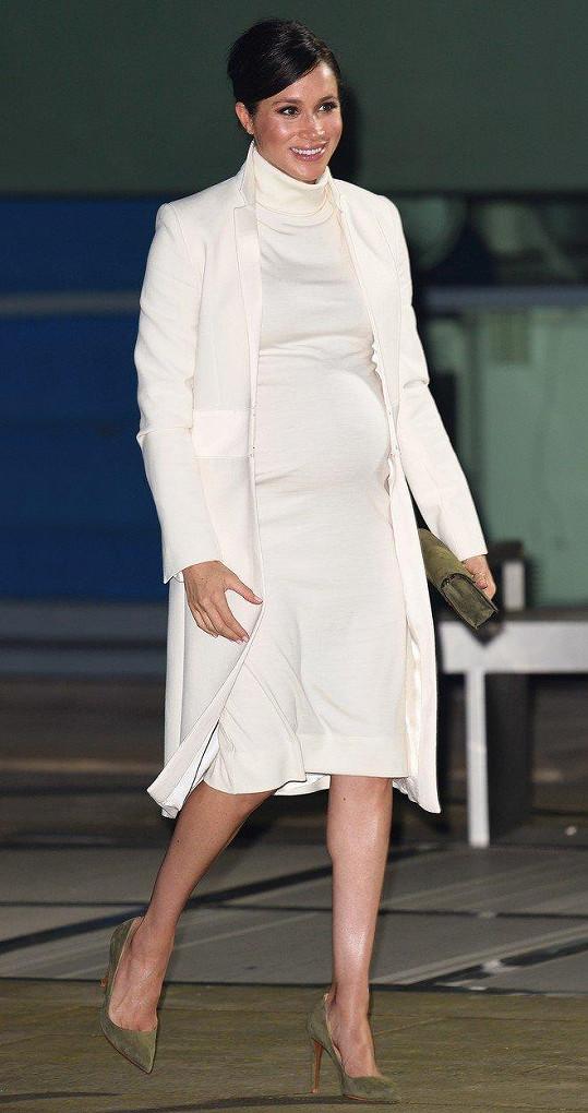 Vévodkyně Meghan čeká první dítě.