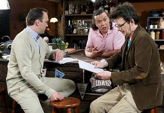 Jan Šťastný si zahraje v seriálu Jetelín společně s Jiřím Hánou a Richardem Genzerem.