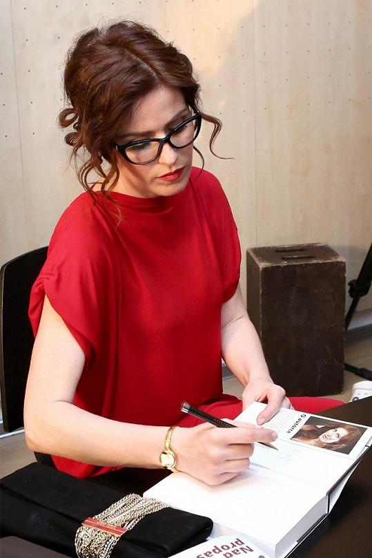 Soňa Norisová už září v konkurenčním seriálu Policie Modrava.