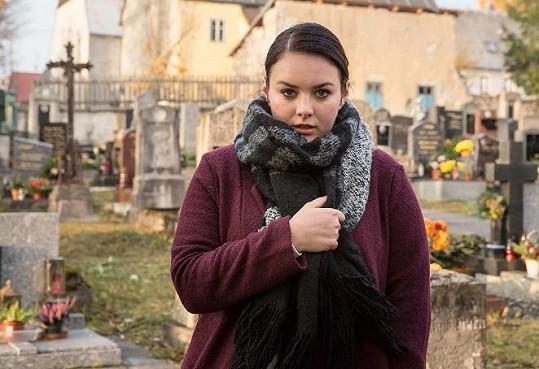Ewa Farna si zahrála ve filmu Uzly a pomeranče.