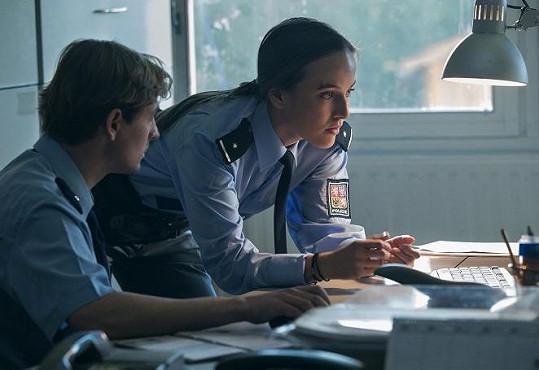 Tereza Voříšková si v krimi sérii zahrála policistku Horovou.