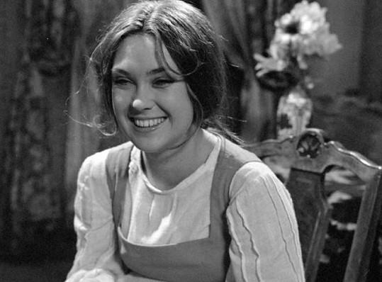 A tady ve filmu Ženitba (1976)