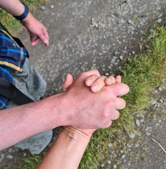 Po cestě přišly zdravotní komplikace a pouť s přítelem vzdali.