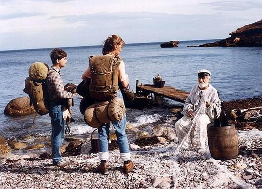 Ondřej Kepka, Hana Igonda Ševčíková a Ilja Racek (zleva) v seriálu Arabela se vrací aneb Rumburak králem Říše pohádek (1993)