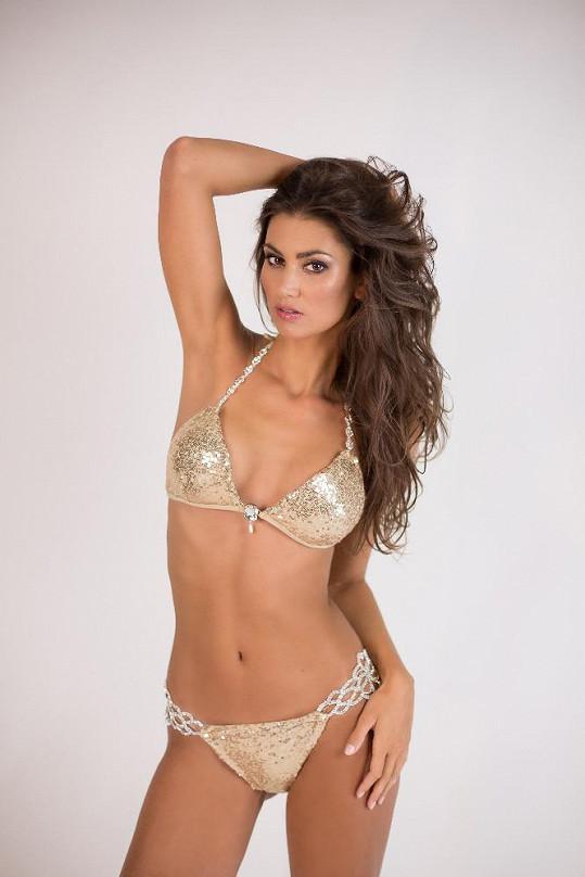 Jako modelka má práci především v německy mluvících zemích.