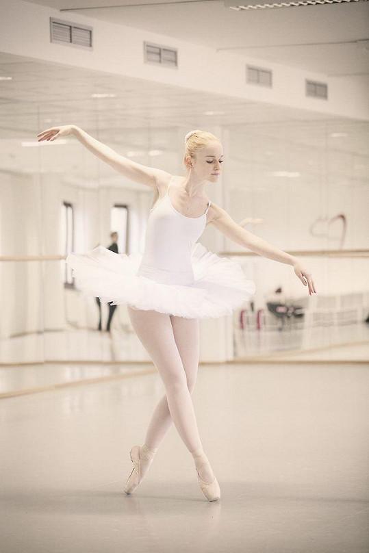 Tereza v baletním sále
