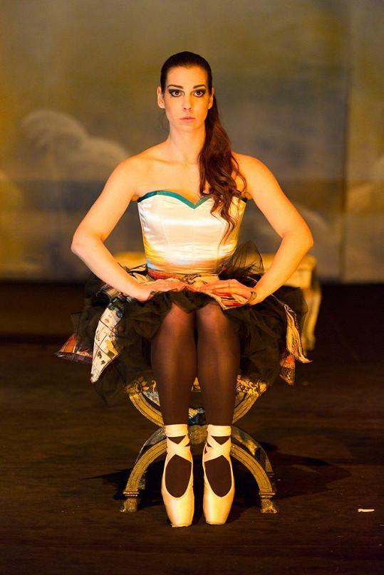 Marta je sexy, i když hraje baletku.