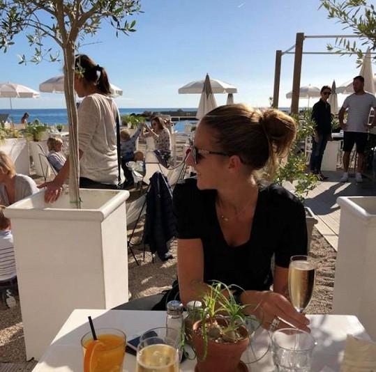 Karolína Plíšková relaxuje po skončení tenisové sezony.