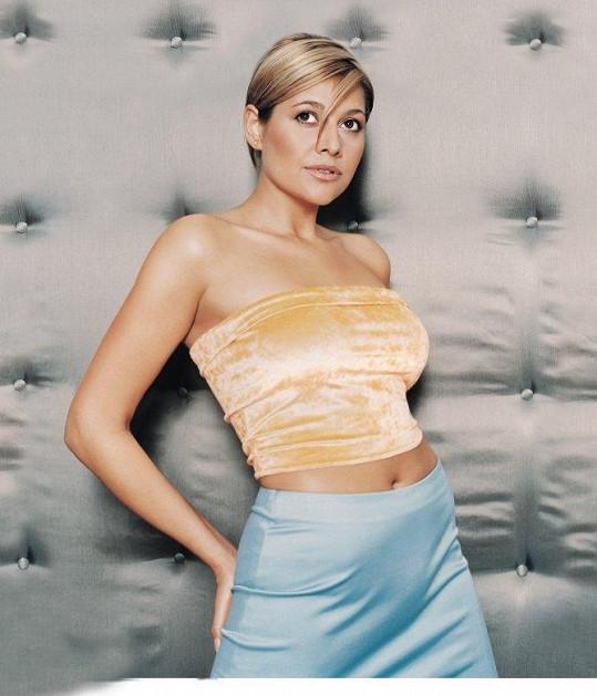 Ilona Csáková v době kdy byla snad úplně nejštíhlejší.