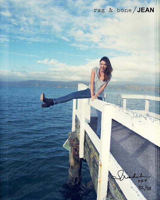 Takhle Miranda Kerr dováděla na novém Zélandu.