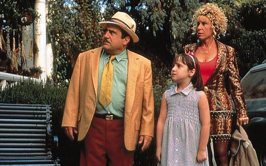 Po dokončení filmu herečce zemřela maminka, rodina Dannyho DeVita jí byla velkou oporou.
