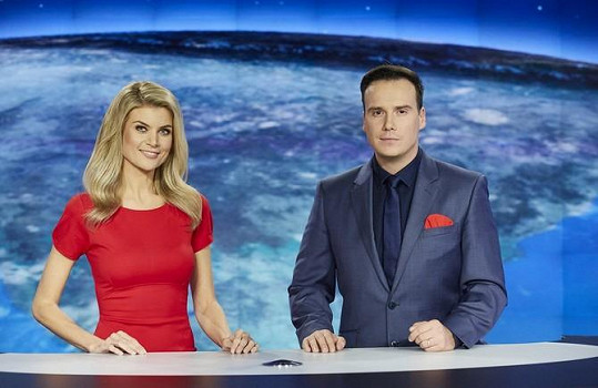 S Petrem Suchoněm moderovali hlavní zpravodajskou relaci. Na obrazovky už se v tomto složení nevrátí, jelikož byl moderátor z televize vyhozen.