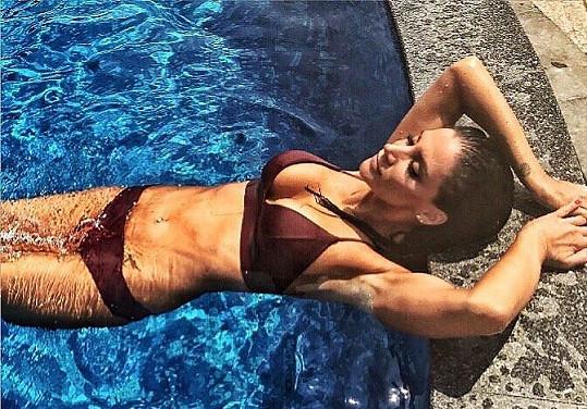 Andrea Pomeje se ukázala v plavkách.