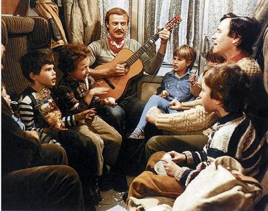 Legendární komedie S tebou mě baví svět, kterou natočila v roce 1982.