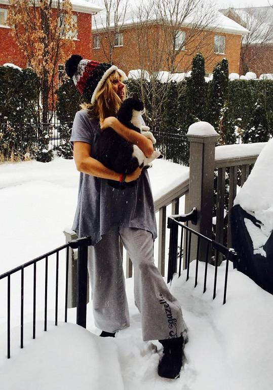 Lucie Vondráčková si v Kanadě užívá nefalšovanou zimu.
