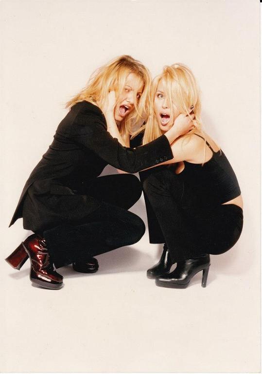 Dara Rolins a Simona Krainová si uměly užívat. Teď už jsou z nich vzorné mámy.