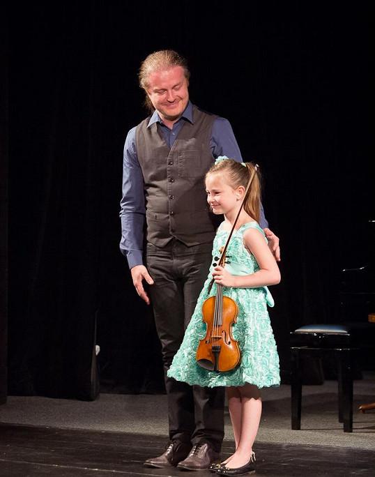 Tatínek Pavel Šporcl byl na svoji dcerku náležitě pyšný.