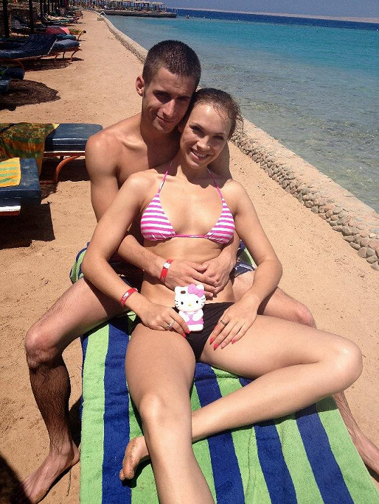 Kamila Nývltová s přítelem Tomášem na dovolené v Egyptě