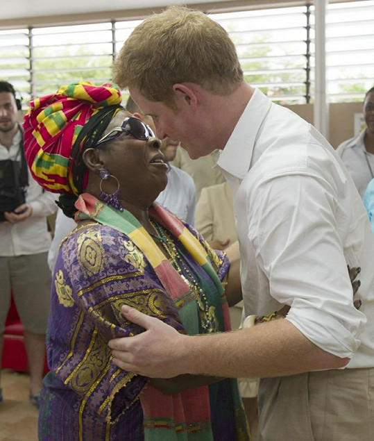 Setkání prince Harryho s Ritou Marley.