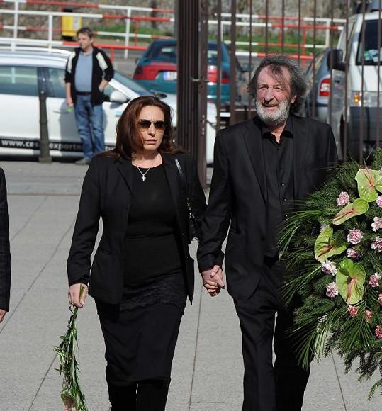 Bolek Polívka pronesl na pohřbu smuteční řeč.