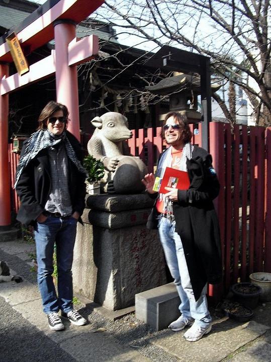 Janek se synem Jonášem Ledeckým si výlet do Asie pěkně užili.