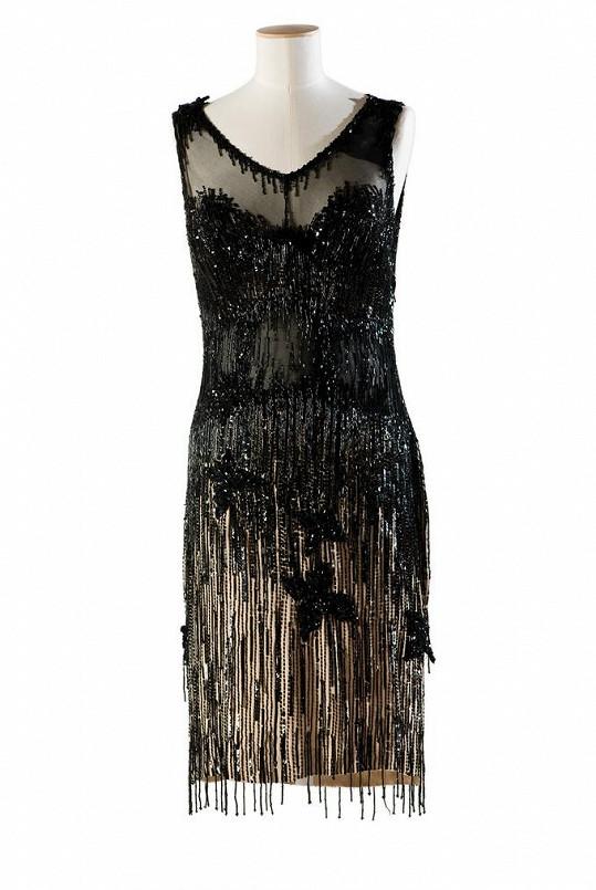 Na výstavě si budete moci prohlédnout hereččiny šaty z filmu Někdo to rád horké.
