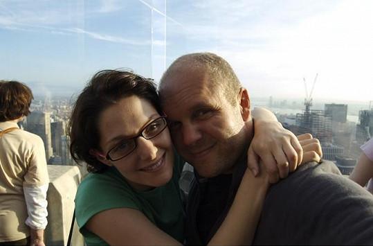 S režisérem Davidem Ondříčkem žila Klára Issová čtyři roky.
