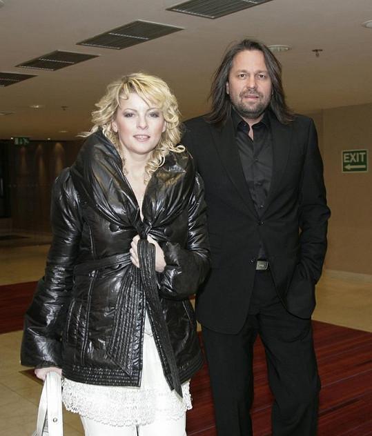 Iveta Bartošová s exmanželem Jiřím Pomeje v únoru 2009.